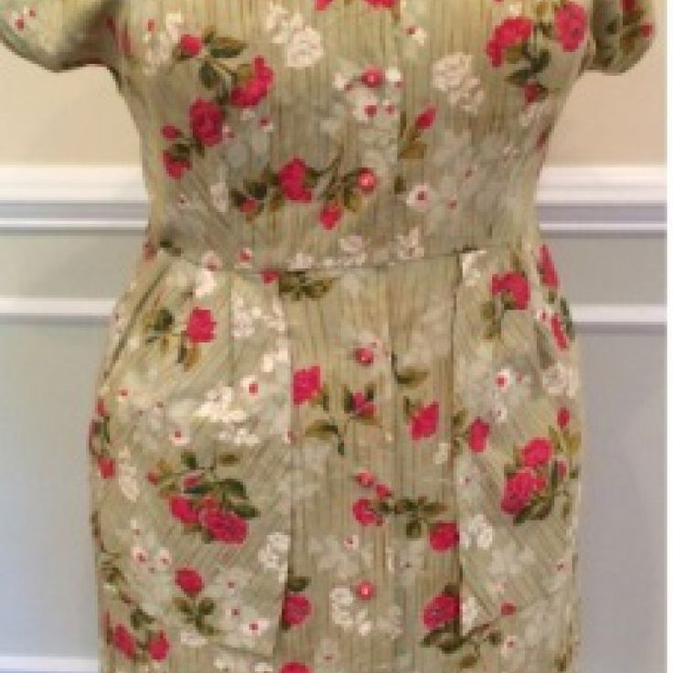 Green Floral Print Day Dress on Velvet Rose's Pin Up Dressing Room - The vintage shop tailored to you #Vintagedaydress  #ChristmasPresent Free Postage within Australia