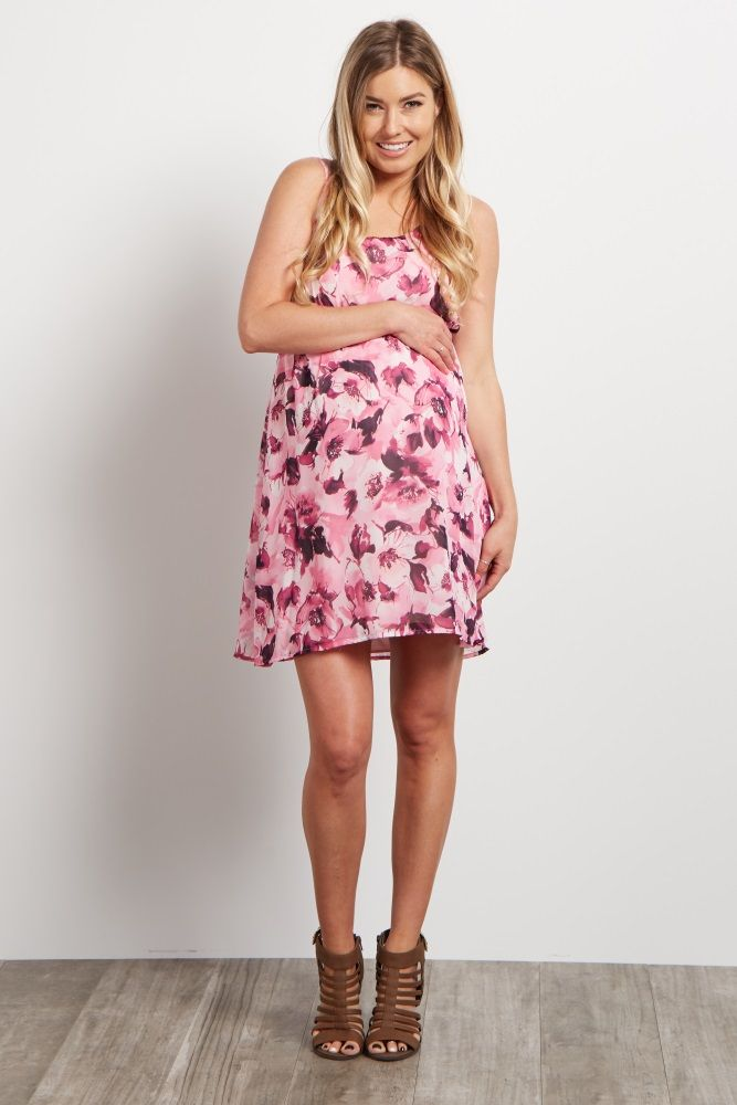 Whether you're going out to lunch or having date night, this maternity dress is the perfect piece to make you feel beautiful day in and day out. A lightweight chiffon material to keep you cool and a gorgeous floral print for a feminine look. Style this dress with sandals or heels for an effortlessly chic ensemble.