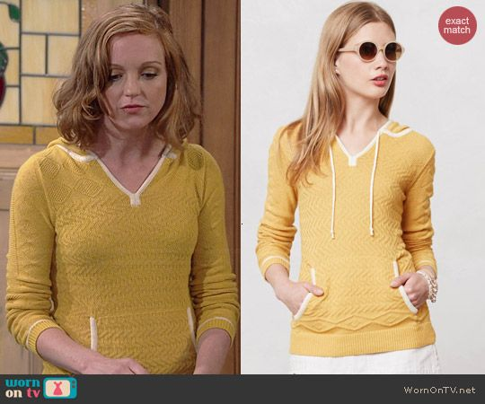 Debbie's yellow knit hoodie on The Millers.  Outfit Details: http://wornontv.net/40161/ #TheMillers