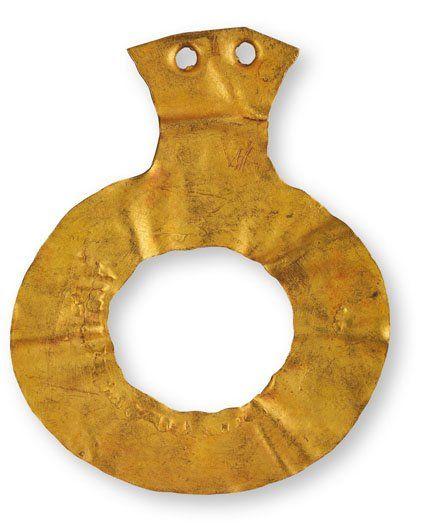 Złota zawieszka pierścieniowata(schyłkowy #neolit) #Archeologia #Macedonia #PMA #Muzeum #Museum #Arsenał #Warszawa #Warsaw #State #Archaeological #Museum