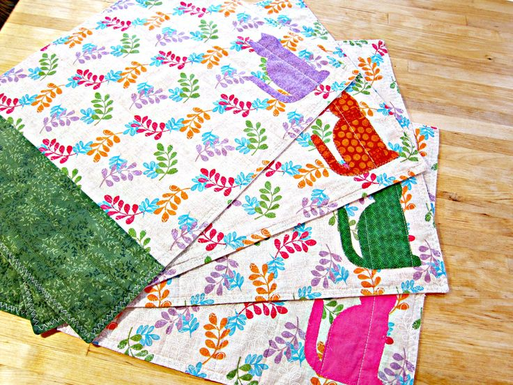 Quilted Placemats, Cat Placemats, Cat Decor, Fabric Placemats, Applique Placemats, Modern Placemats, Spring Placemats, Cat Lover Gift by TheQuiltingViolinist on Etsy