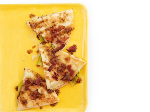 Ready in 25 minutes: Apple and Brie Quesadillas from #FNMag: Apple Brie, Food Network, Quesadillas Recipes, Quesadilla Recipes, Bacon Quesadillas, Brie Apples, Corn Tortillas, Yummy Appetizers, Brie Quesadillas