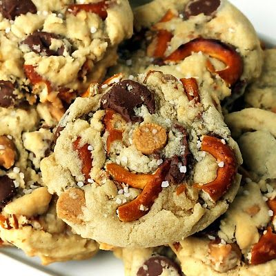 Peanut butter and chocolate chip cookes with PRETZELS! How did I not think of this before???