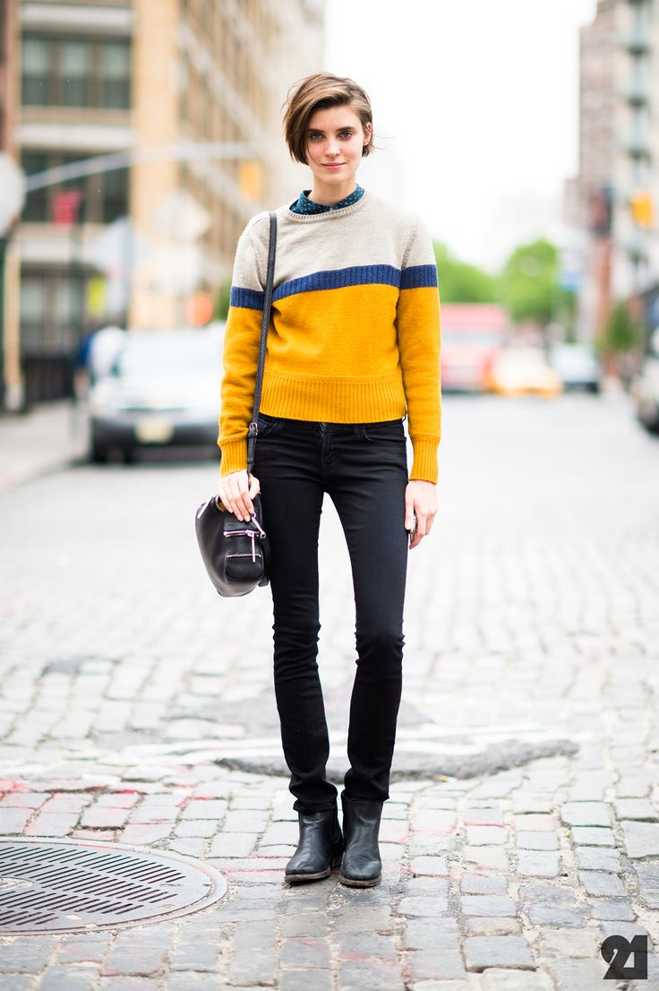 yellow, blue, grey, striped knit pullover sweater, jeans, fall style, bob haircut from: le-21eme.