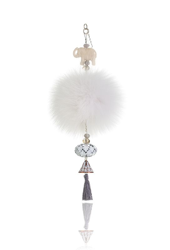 Pompon Mobile Charm with 7cm white real fox fur, mobile clip, crystal beads and decorative elements.  Price: 21.00E
