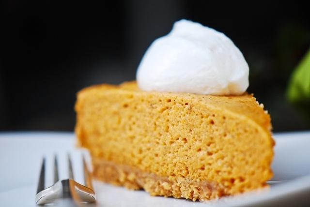 Pumpkin Chiffon pie -: Orange Zest, Baking Pumpkin, Pies Recipes, Chiffon Pies, Pumpkin Chiffon, Air Pumpkin, Favorite Recipes, Thanksgiving Desserts, Pumpkin Pies