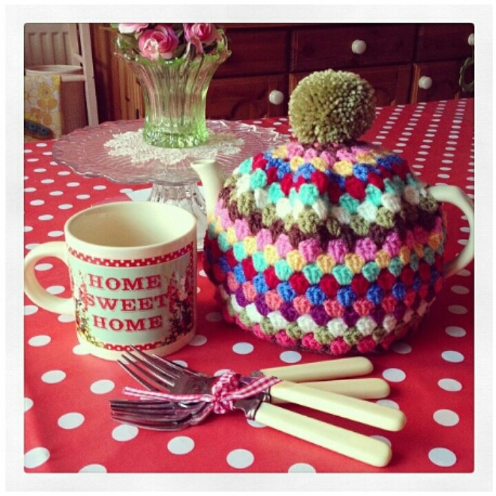 Granny chic tea cosy by adaandlilly