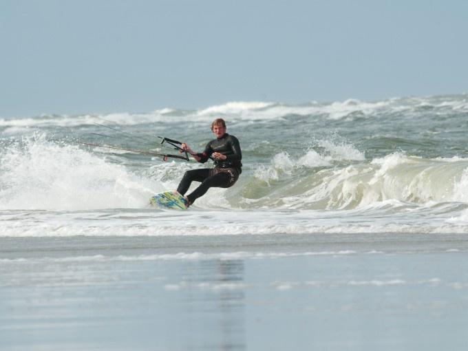 Kite surfen op de Noordzee bij Terschelling