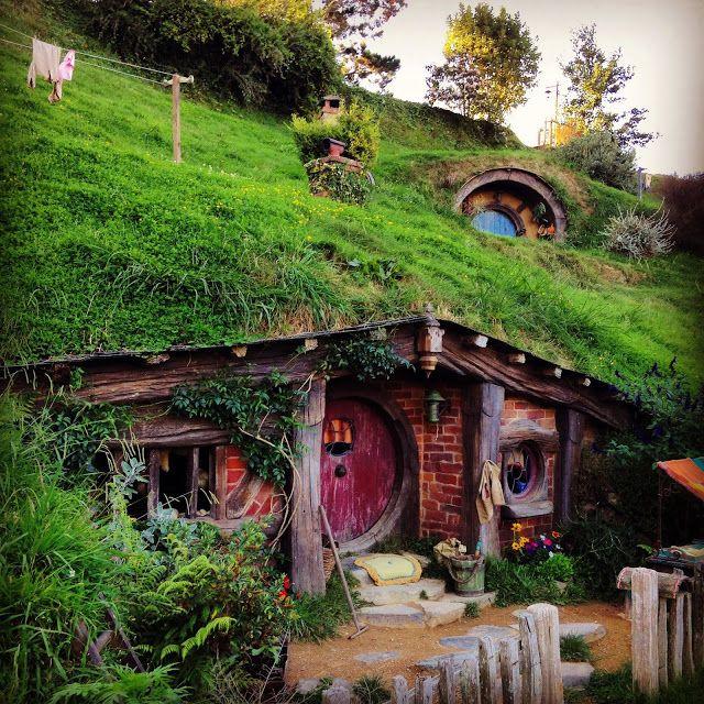 155 best casa hobbit images on Pinterest  Casas de hobbit