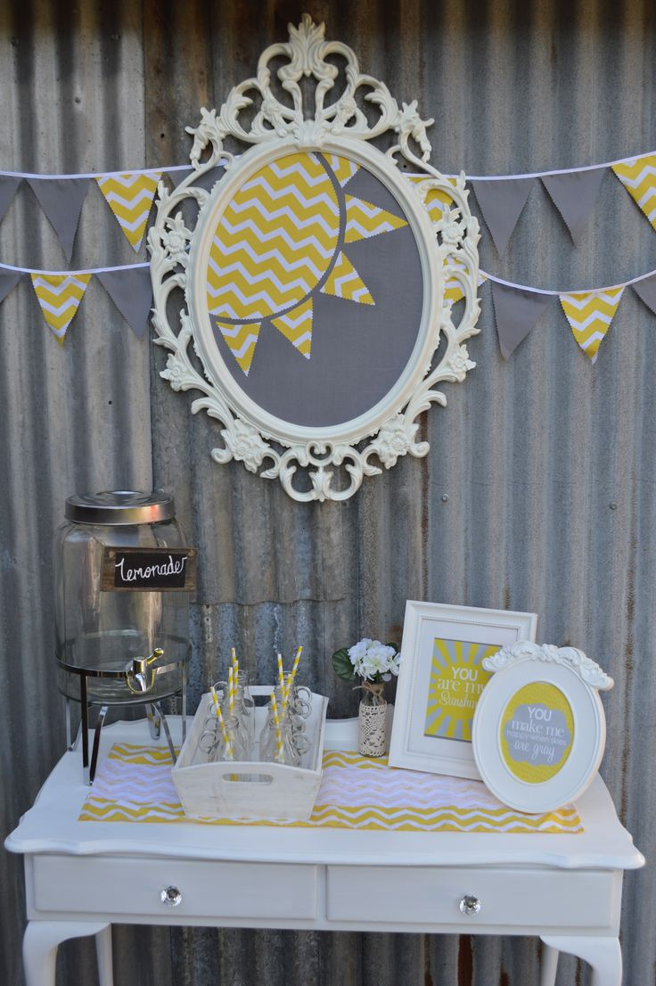 You are my Sunshine Drinks station/table #queenstvintage #rusticprops #rusticweddings #recycledtimber #prophiresydney #vintageideas #rusticsigns #rusticdrinkstations #rusticsweettables #vintageweddings #rusticwishingwells #timberweddingsigns #drinkstations #photobooth #tablecentrepieces #caketables