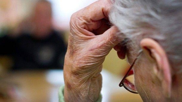 Alzheimer-Risiko: Dicksein begünstigt Demenz
