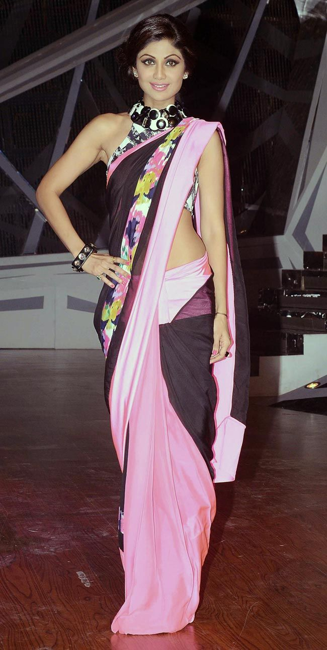 Shilpa Shetty played around with her desi look in a casual resort-wear sari by Shivan and Narresh on 'Nach Baliye 6' #Fashion #Style #Bollywood #Beauty