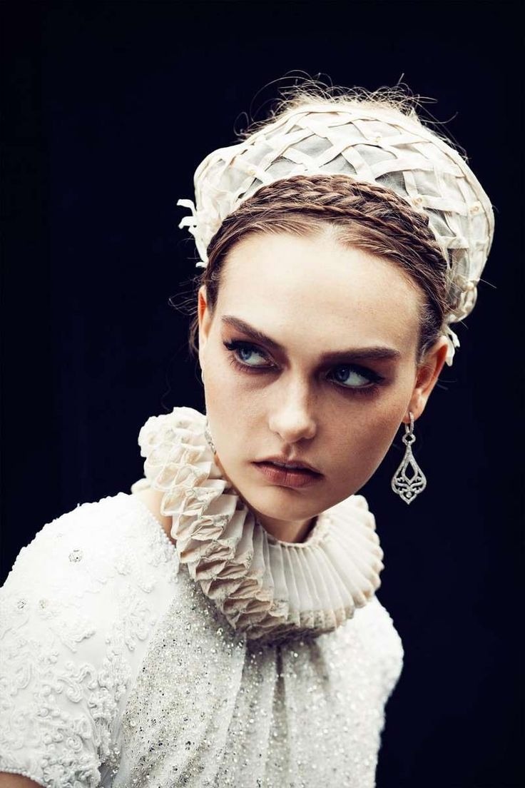 Modern-Day Medieval Fashion : Odalisque Magazine 'Sovereign Solitude'
