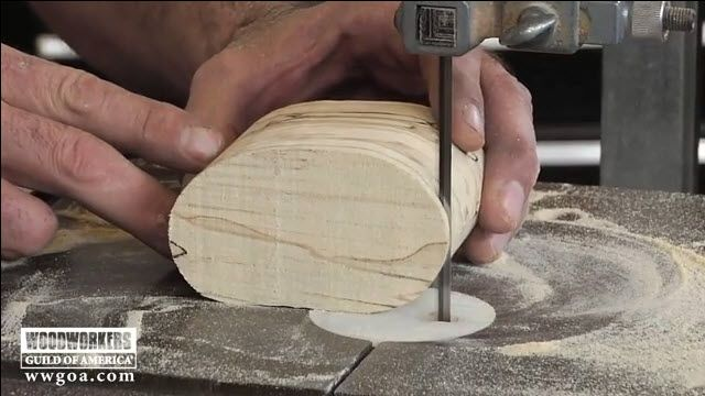 George Vondriska demonstrates simple bandsawing techniques to make delicate cuts by using smaller blades. Time to start some new band saw projects.