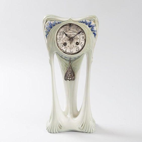 - Mantel Der Ideen Mit Uhr Verziert