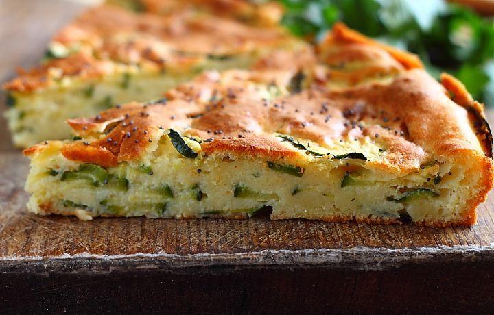 Tarta rustica cu dovlecei - retete culinare. Reteta tarta cu dovlecei. Reteta tartei cu dovlecei este foarte simpla si rapida. Reteta cu dovlecei.