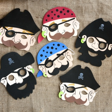 Party pirate masks... I might eventually use this idea as a template and have kids decorate their own, or have glue-on pieces to customize them (a la Mr. Potato Head)