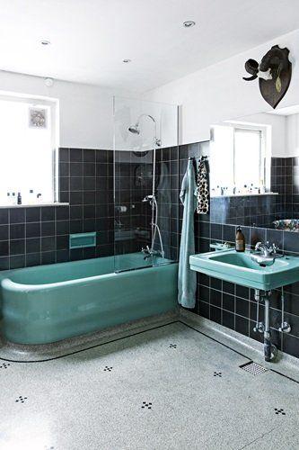 Fandenivoldsk funkis p  Frederiksberg   Bathroom VintageDeco BathroomBlack BathroomBathroom  FixturesKitchen BathroomBathroom IdeasBlue. 17 Best images about Bathroom ideas on Pinterest   Toilets