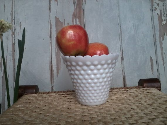 Check out this item in my Etsy shop https://www.etsy.com/listing/127308891/vintage-white-hobnail-vase-retro-flower