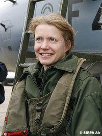 Caroline Aigle (décédée en 2007 à 32 ans) Première Femme Pilote de Chasse