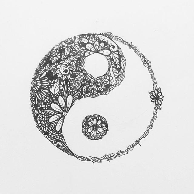 die besten 25 yin yang tattoos ideen auf pinterest yin yang yin yang bedeutung und meant to. Black Bedroom Furniture Sets. Home Design Ideas