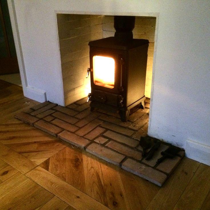 Hobbit stove wood burner