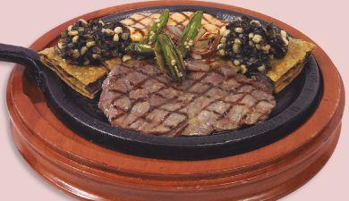 toks cenas septiembre Comal sonorense  Arrachera y pechuga de pollo a la parrilla, acompañada de huitlacoche y quesadilla de frijoles con chorizo.