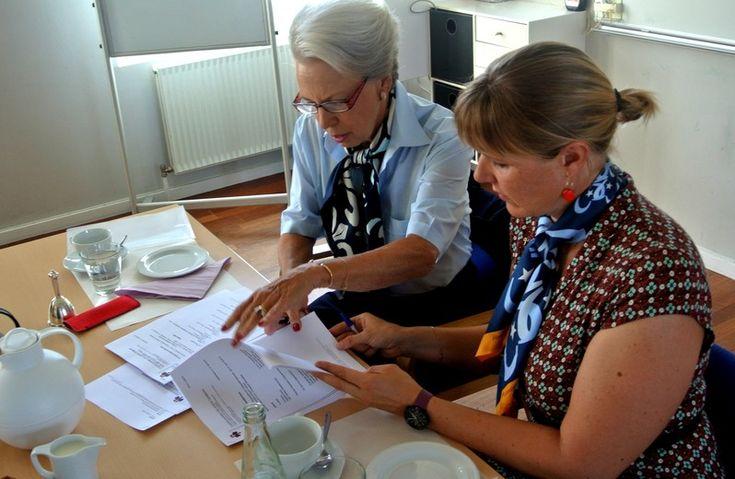 Møde i Pigespejdernes Fællesråd Prinsessen er formand for Pigespejdernes Fællesråd, der er en paraplyorganisation for pigespejdere i Danmark.