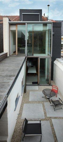 Binnenkijken in een smal rijhuis met groot ruimtegevoel - Het Nieuwsblad: http://www.nieuwsblad.be/cnt/dmf20150611_01726187