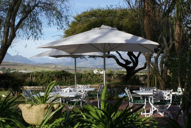 WedgeView Country House & Spa right in between vineyards of Stellenbosch.