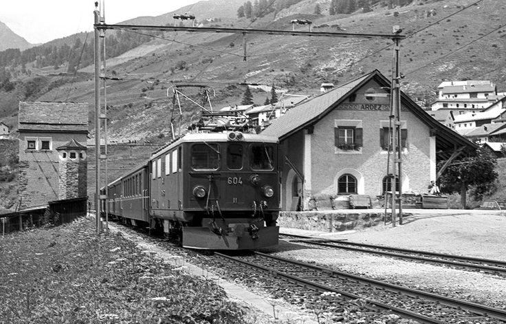 Roberto Trionfini | Rhb Ge 4/4 I 604 Ardez 07/08/1977. Foto Roberto Trionfini