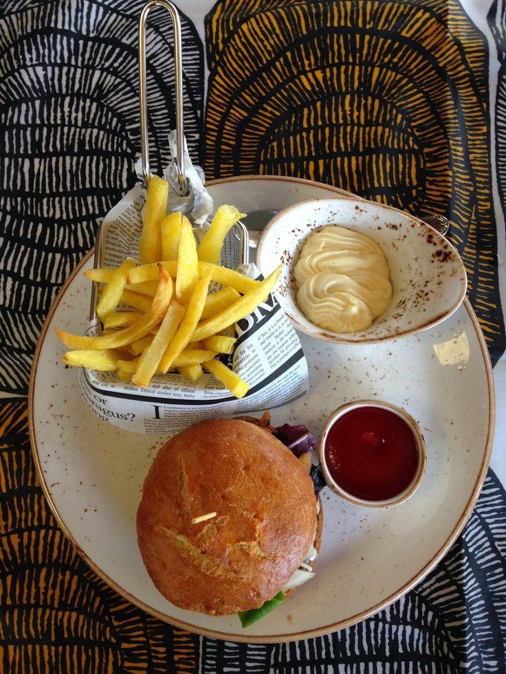 Best Kobe Burger Euromar Kafetegia Nafarroa Kalea, 37 20.800 Zarautz www.sistersandthecity.com
