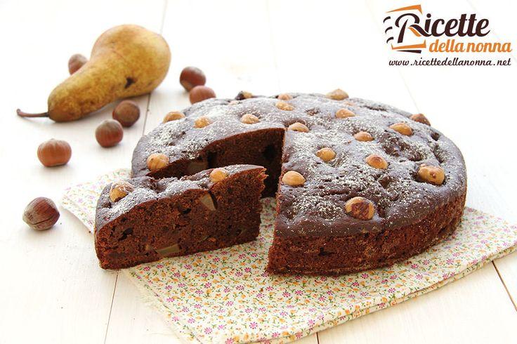 Torta al cioccolato nocciole e pere