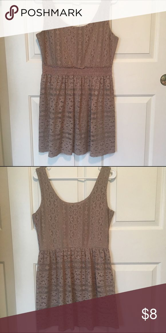 Tan Lace Dress Awesome condition! Stretchy at waist. ••very cute with sandals or boots•• comes with matching necklace! Clean smoke/pet free home 🏡 Dresses