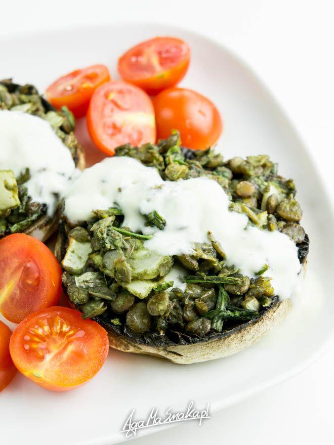 pieczarki faszerowane zieloną soczewicą, cykorią, czosnkiem, cebulą i pietruszką + chlorella | AgaMaSmaka