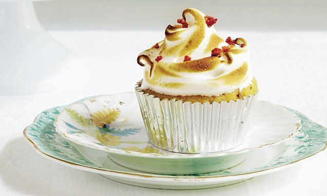 Mary Berry Everyday, part two: Lemon meringue and strawberry cupcakes