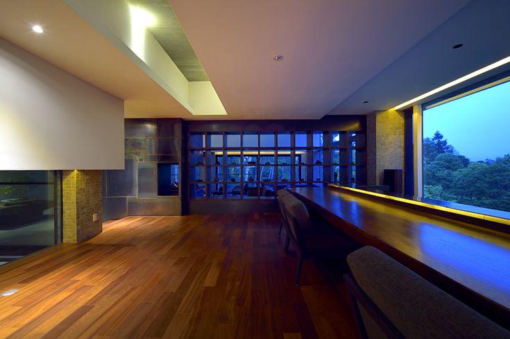 Bar    Zaborin 坐忘林   Architect: nA Nakayama Architects   Photographer: Ken Goshima