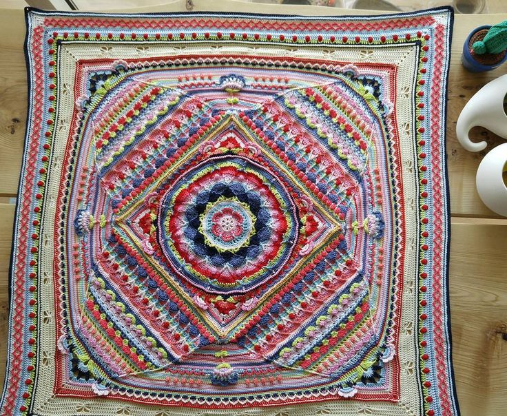 2016.4.23. part 18 of Sophie's universe. I am glad that I finished Sophie's Universe.  #sophiesgarden #sophiesuniverse #crochet #crocheting #CAL #FO #instacrochet #hobby #dodo_studio #여름실 #도도스튜디오 #배루기 #소피의정원 #소피의우주 #코바늘 #크로셰 #취미 #카티아 #katia #cable5 #g4 #nofilter