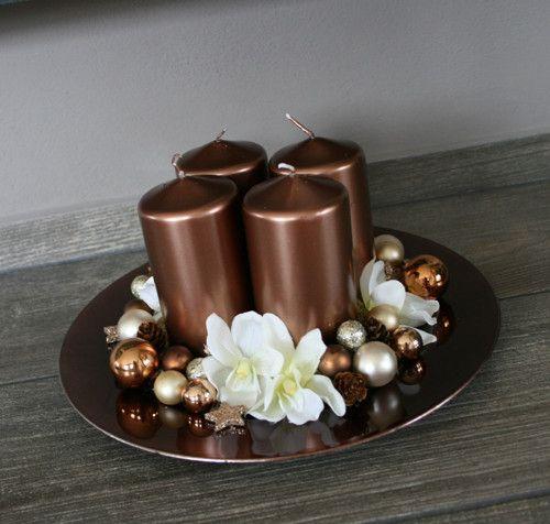 Velká adventní dekorace na tácku čokoládová