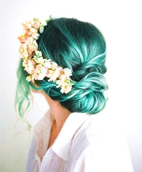 23 Visually Stimulating Cotton Candy Hair Color Ideas - I AM BORED