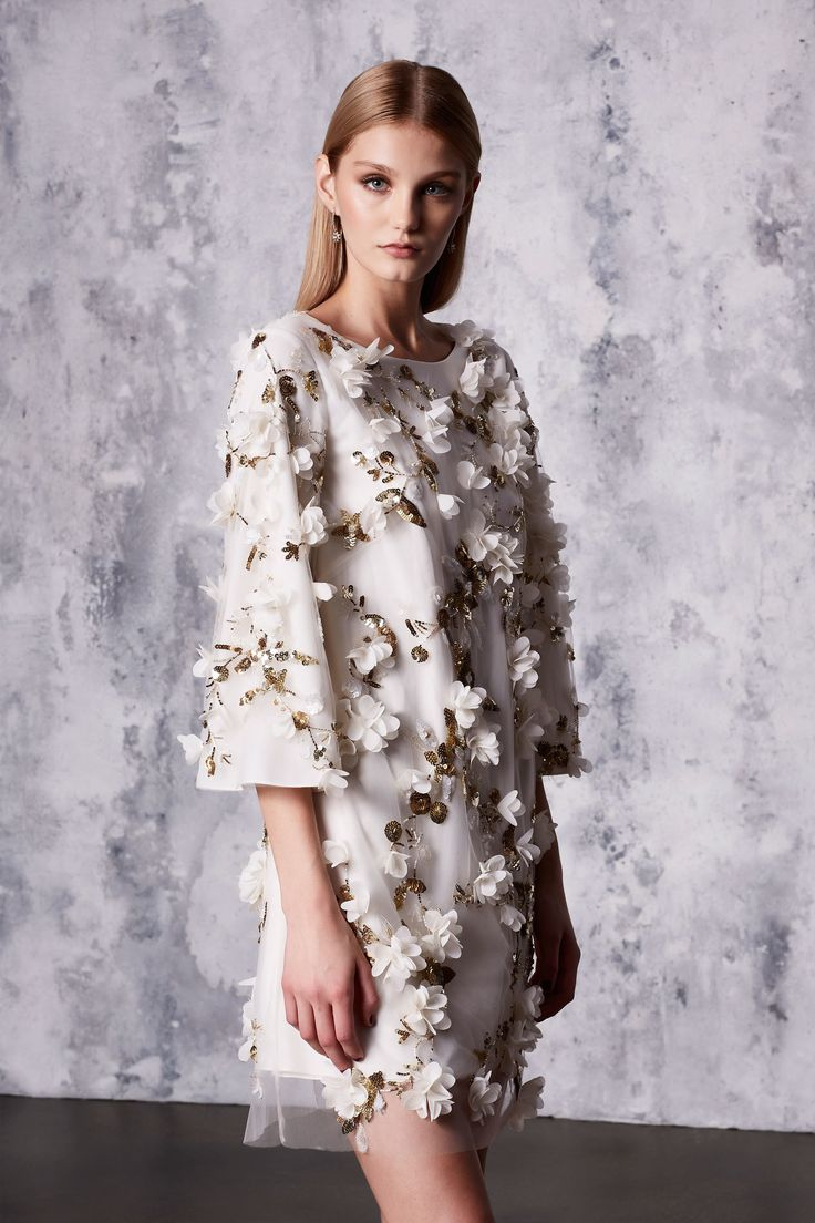This would be perfection as a wedding rehearsal dinner dress - don't you agree?