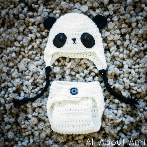 Crochet baby panda outfit Free Pattern