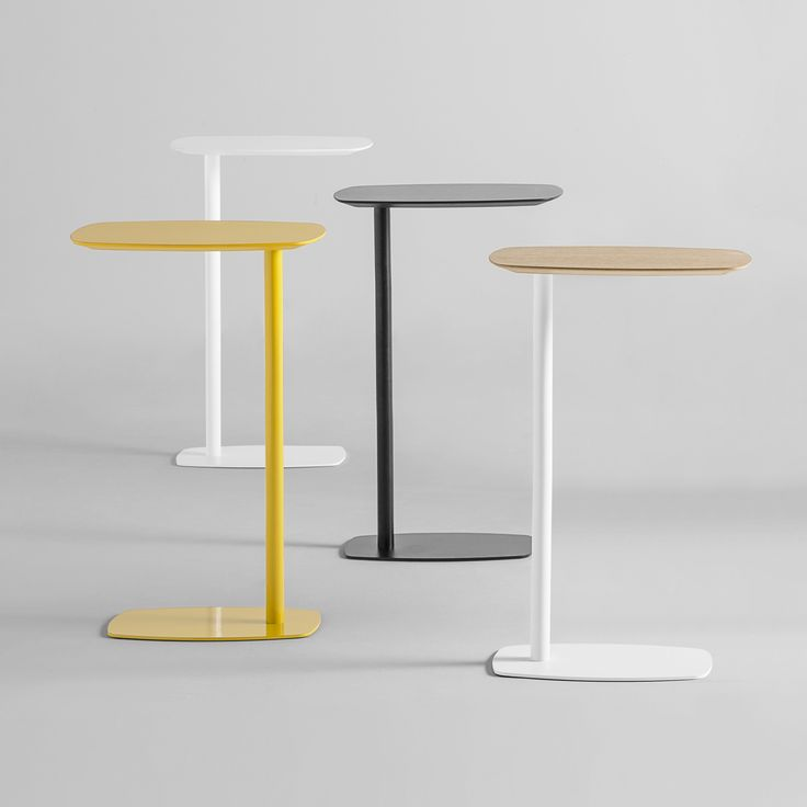 LAN tables have been designed to be a practical accessory for sofas and armchairs. It is an element that can be used as a support for a laptop, tablet, for taking notes or simply a place to leave a coffee cup. The surfaces are manufactured in mdf lacquered in a huge range of colours or in natural oak veneer. The metallic legs are also finished in all colours from the INCLASS colour samples. The wide range of finishes available allow the tables to be combined with all types of sofas and…
