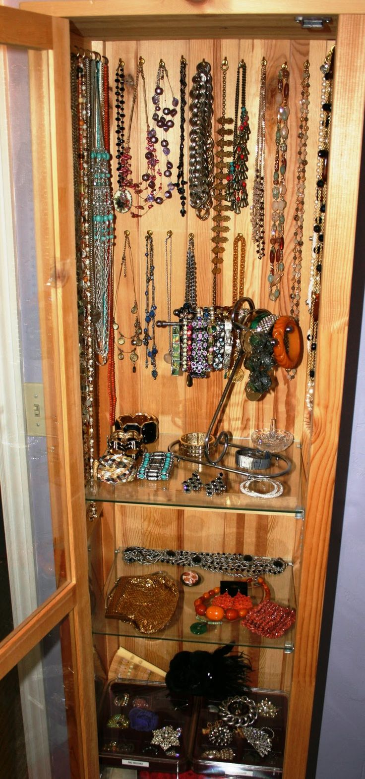 High Resolution Image: Home Design Ideas Jewelry Display ...