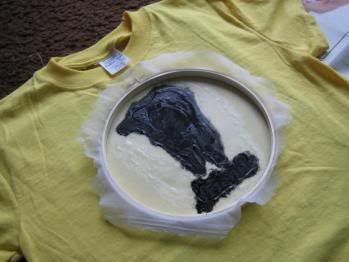 Screen printing tutorial: You need a t-shirt, paint brushes, embroidery hoop, screen printing ink, a glue that isn't water-soluble (eg Mod Podge), sheer fabric/tulle/old nylons, computer + printer (or a good hand for drawing things)