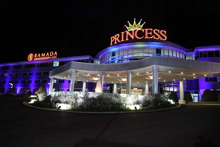 Global chain of Princess Casinos accept Bitcoin. http://www.casino-technology.com/uploads/images/princess_macedonia.jpg