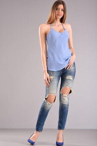 Μπλούζα τοπ με χιαστή ράντες στην πλάτη σε σιελ χρώμα από ύφασμα σατέν με επεξεργασία ζαρώματος (sorbet).    Μεγέθη : Medium  Χρώμα : Σιέλ  Σύνθεση : 100%PES