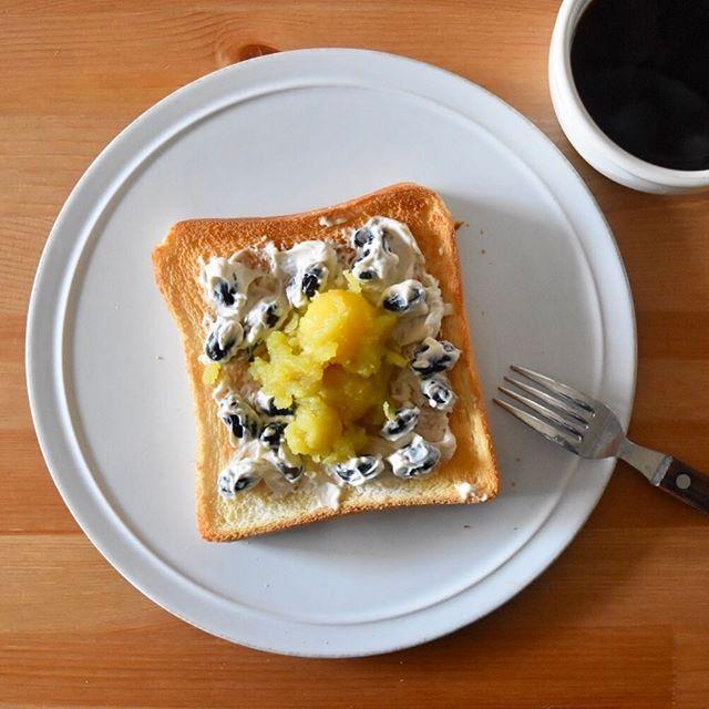 keiyamazaki on Instagram pinned by myThings Today's breakfast. 黒豆、クリームチーズ、きんとん。