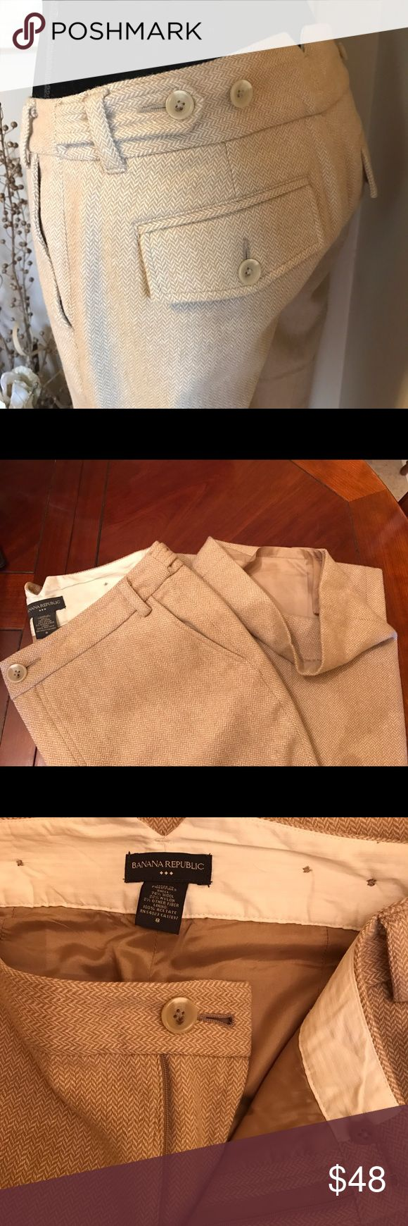 """Banana Republic Wool Blend Slacks Pants Lined sz 8 Banana Republic Wool Blend Slacks Pants Lined sz 8 waist tabs to adjust size.. 2 back pockets as well. 78% Wool 31"""" inseam EUC.. these are like new.. only wore these once... so figured it's time for someone else to give them more use & love. Banana Republic Pants Boot Cut & Flare"""
