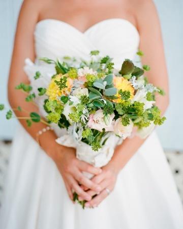 Bouquet de mariée Pastel >  Blanc et jaune  // Pastel Wedding bouquet > white and yellow  #wedding #mariage